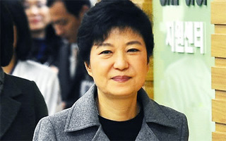 Saenuri's Park Geun-hye Focuses Campaign on Housing Problems